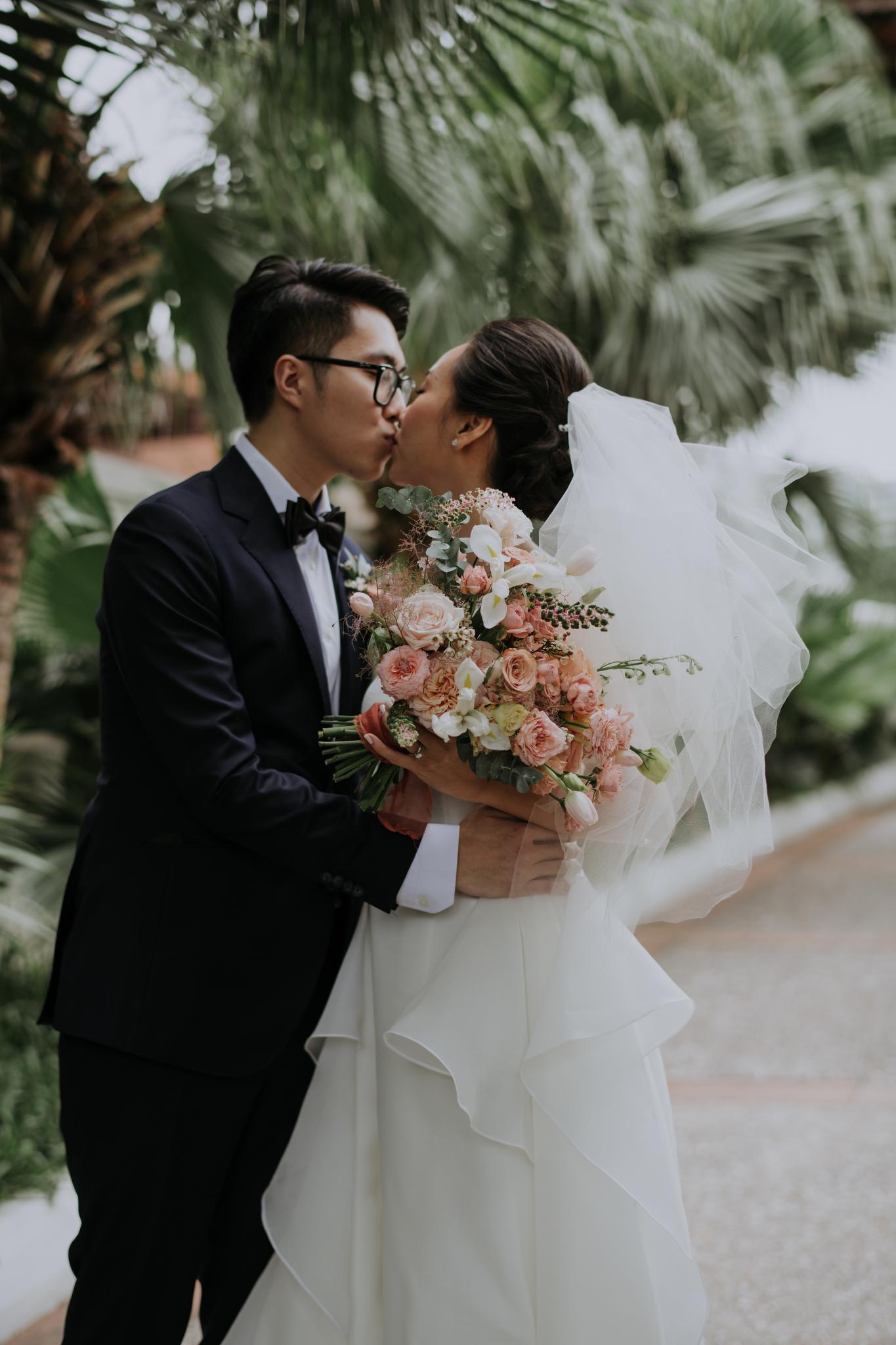 https://huk.s3.amazonaws.com/uploads/image/source/1390/Phuong-Diep-HN-Ceremony-1-0307.JPG