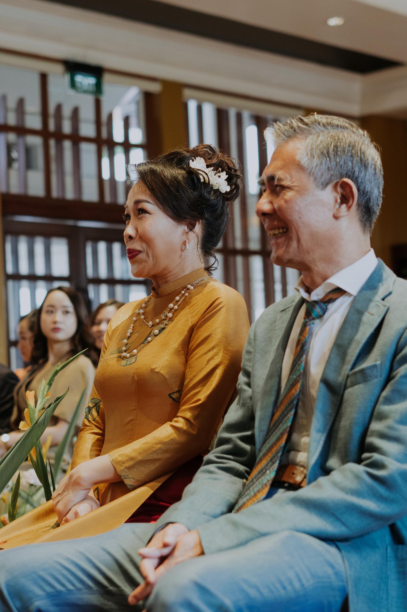 https://huk.s3.amazonaws.com/uploads/image/source/1398/Phuong-Diep-HN-Ceremony-1-0404.JPG
