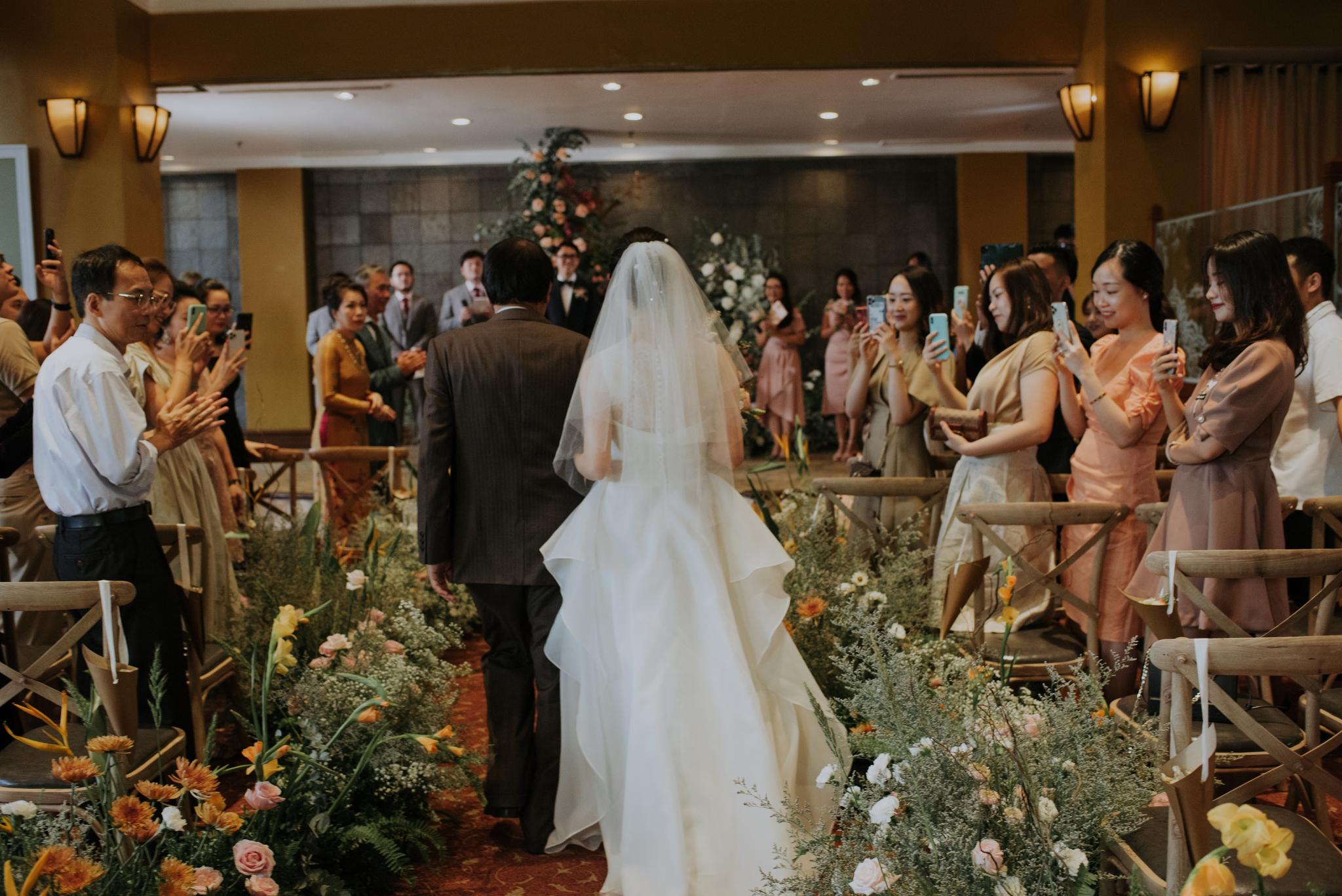 https://huk.s3.amazonaws.com/uploads/image/source/1401/Phuong-Diep-HN-Ceremony-1-0432.JPG