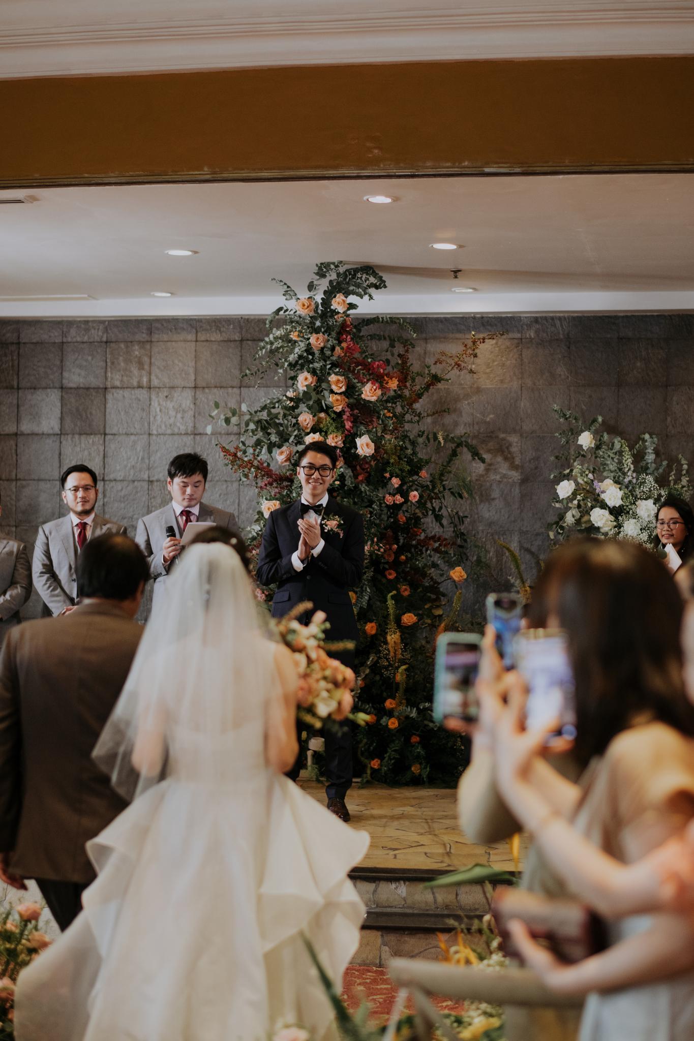 https://huk.s3.amazonaws.com/uploads/image/source/1402/Phuong-Diep-HN-Ceremony-1-0434.JPG