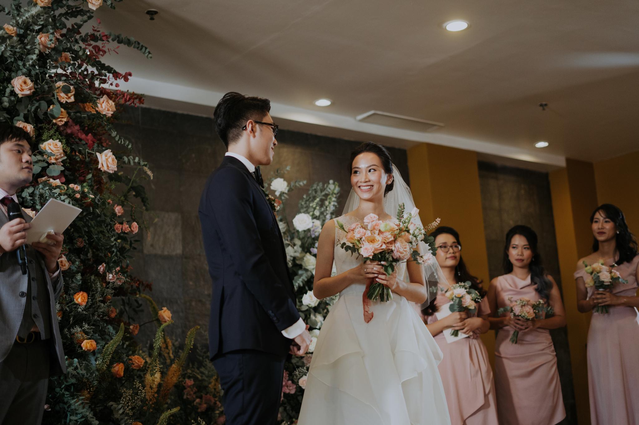 https://huk.s3.amazonaws.com/uploads/image/source/1403/Phuong-Diep-HN-Ceremony-1-0443.JPG