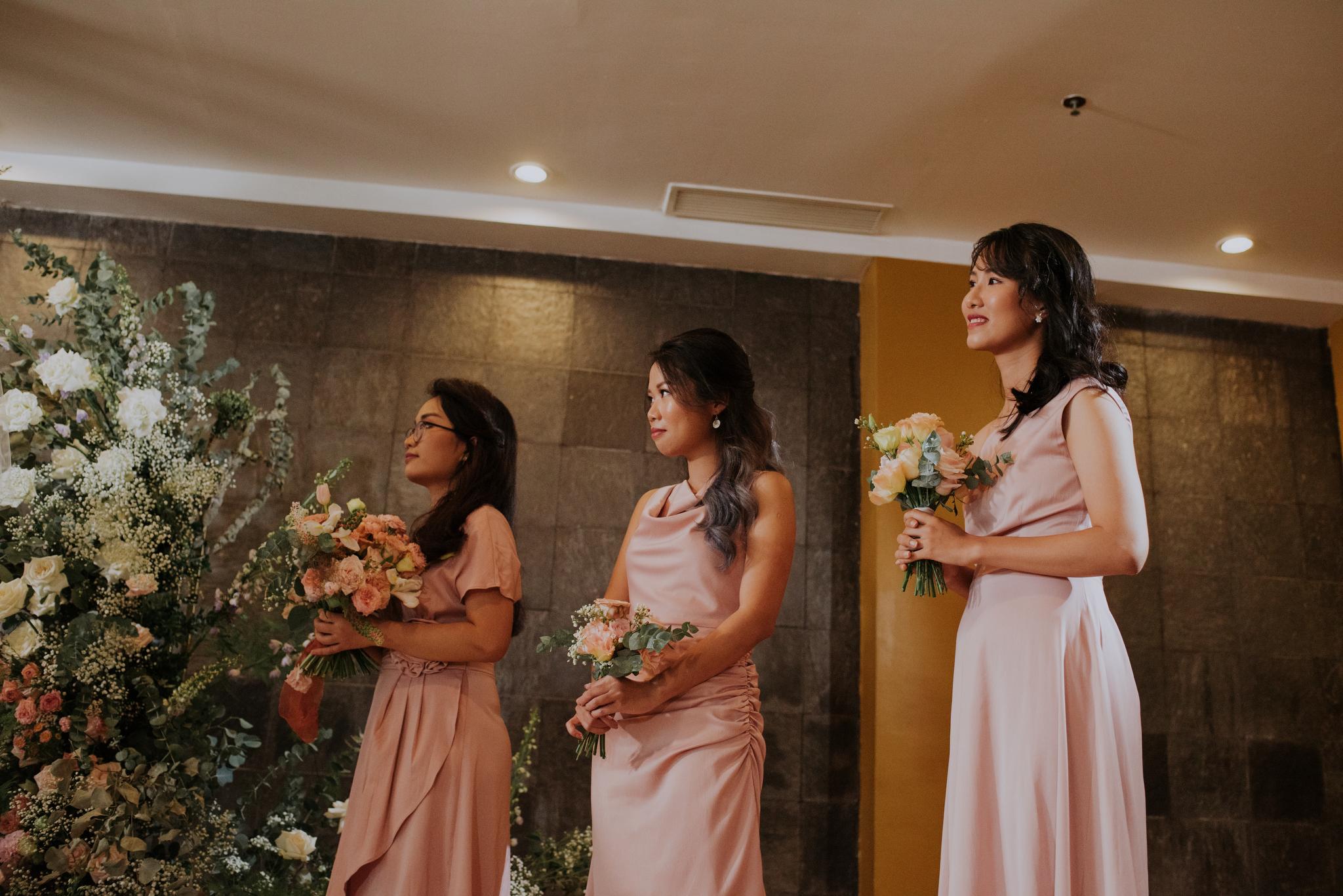 https://huk.s3.amazonaws.com/uploads/image/source/1412/Phuong-Diep-HN-Ceremony-1-0503.JPG
