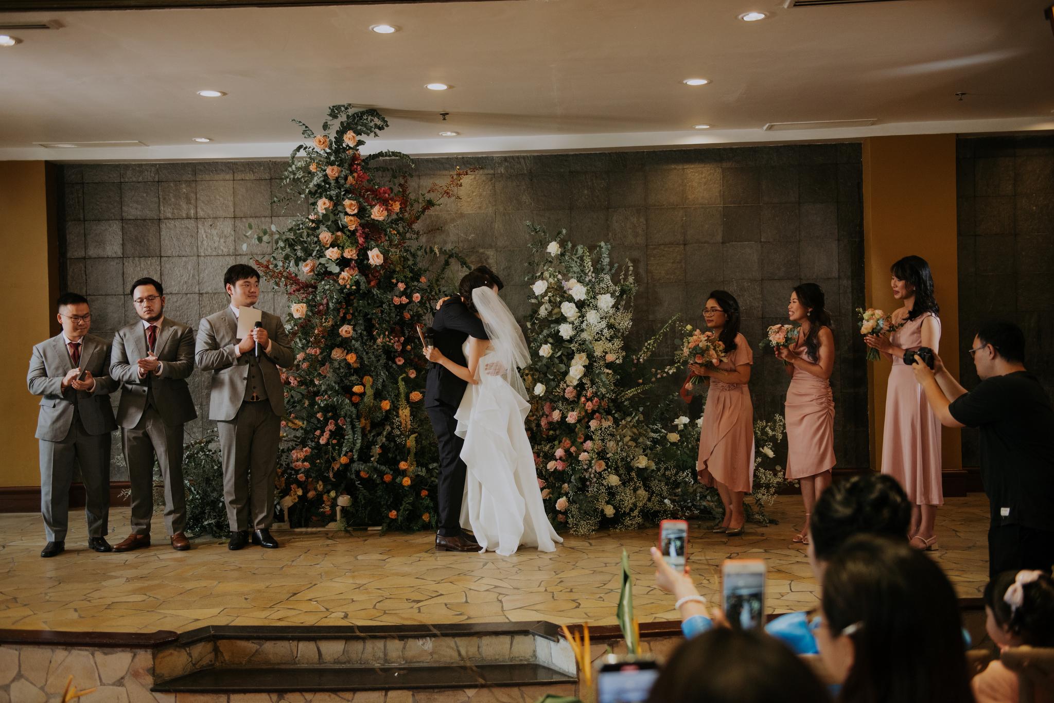 https://huk.s3.amazonaws.com/uploads/image/source/1416/Phuong-Diep-HN-Ceremony-1-0548.JPG