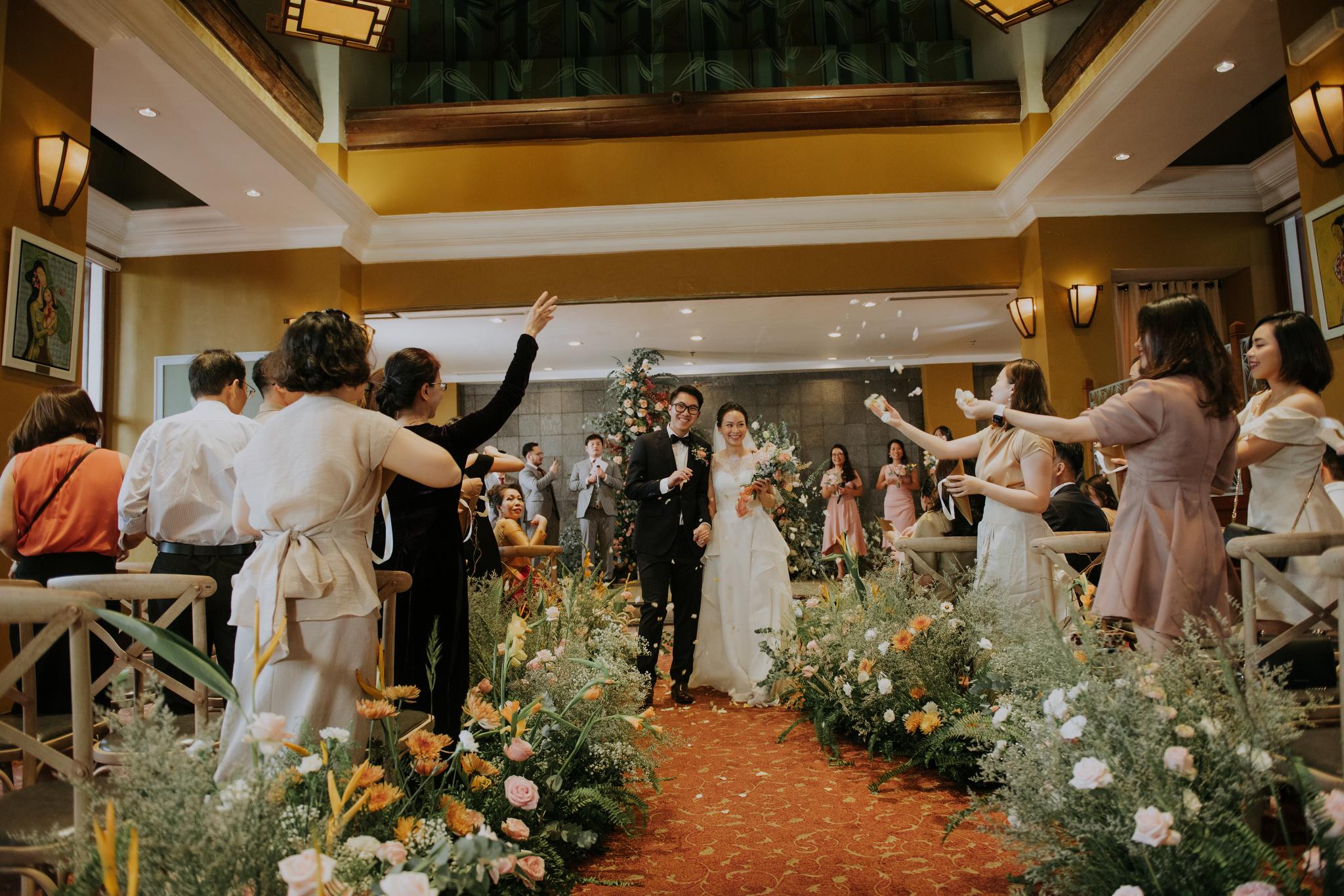 https://huk.s3.amazonaws.com/uploads/image/source/1418/Phuong-Diep-HN-Ceremony-1-0565.JPG