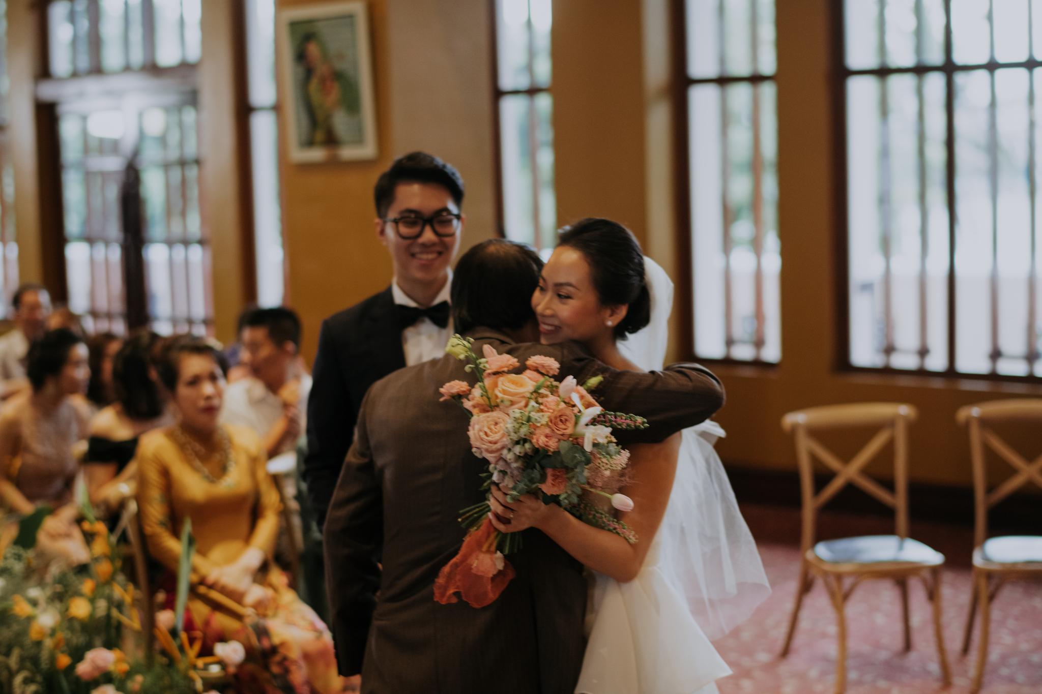 https://huk.s3.amazonaws.com/uploads/image/source/1421/Phuong-Diep-HN-Ceremony-1-0606.JPG