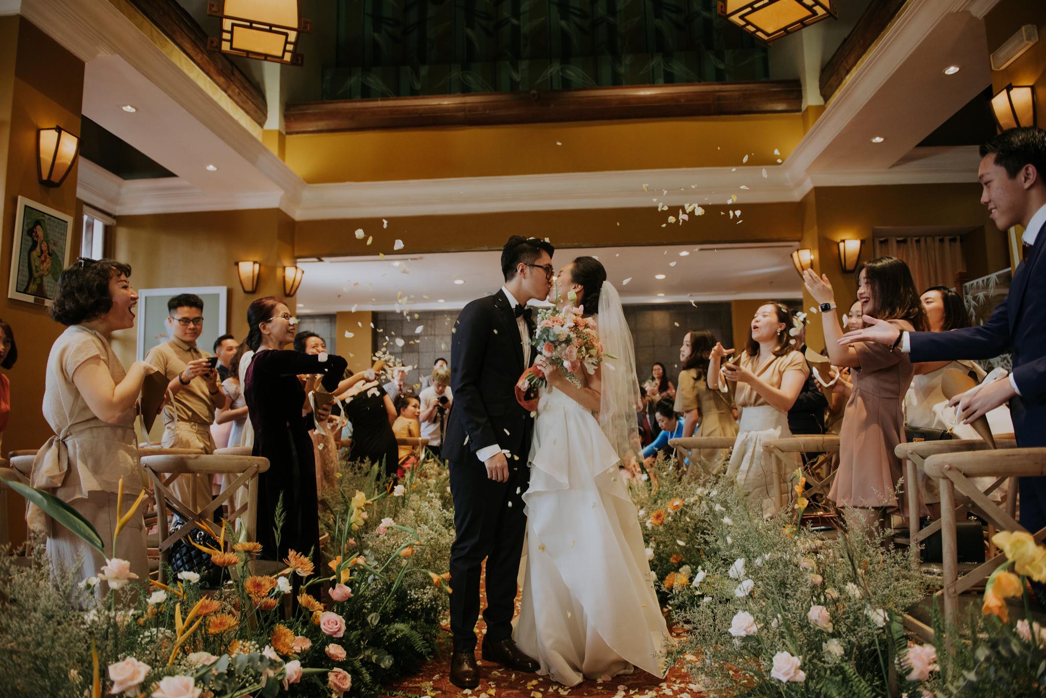 https://huk.s3.amazonaws.com/uploads/image/source/1422/Phuong-Diep-HN-Ceremony-1-0612.JPG