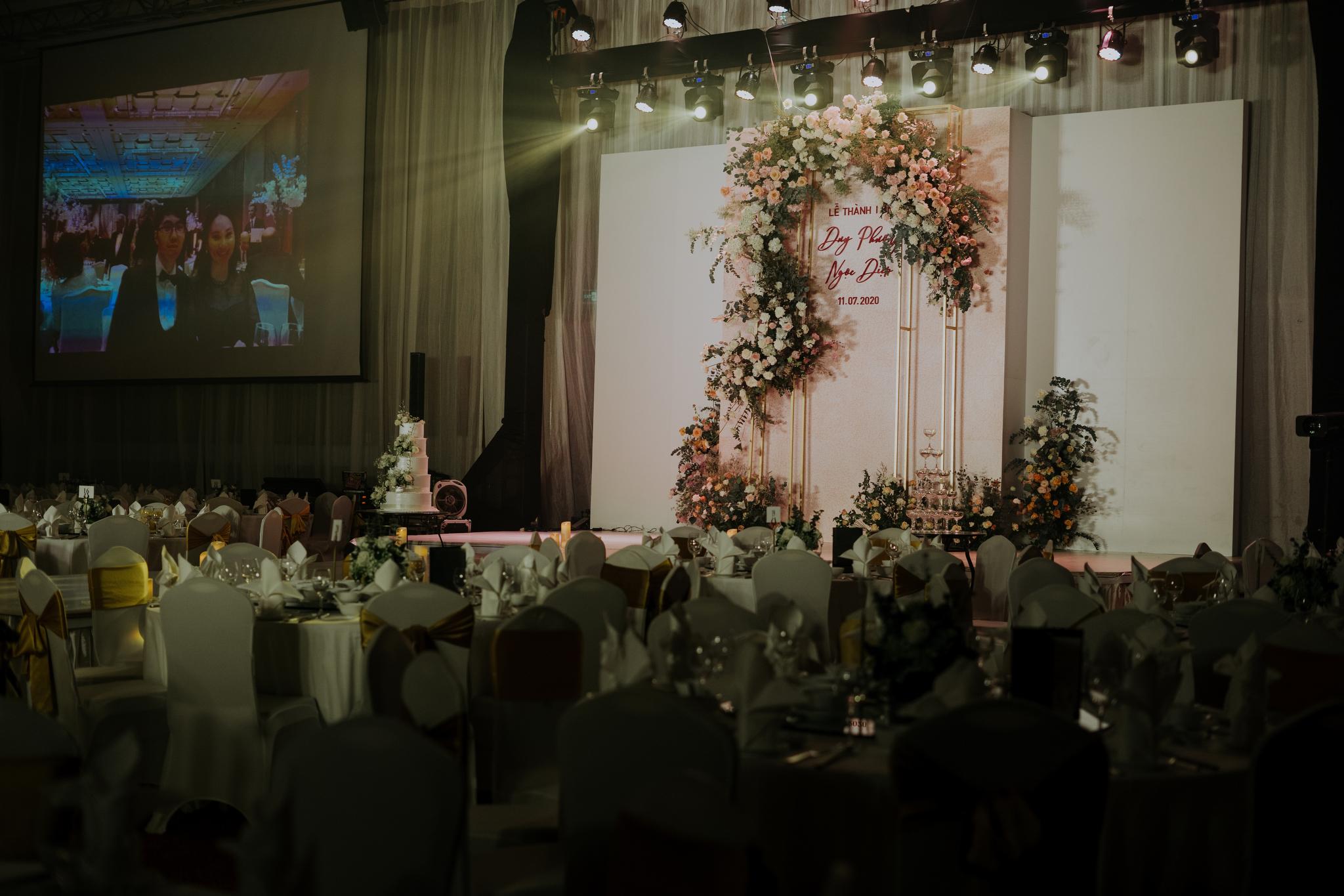 https://huk.s3.amazonaws.com/uploads/image/source/1434/Phuong-Diep-HN-Ceremony-2-0021.JPG