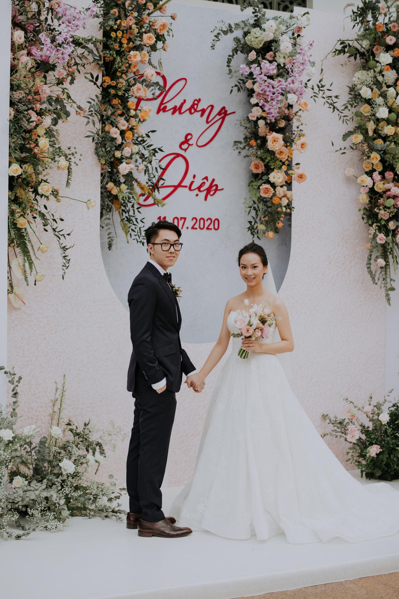 https://huk.s3.amazonaws.com/uploads/image/source/1436/Phuong-Diep-HN-Ceremony-2-0056.JPG