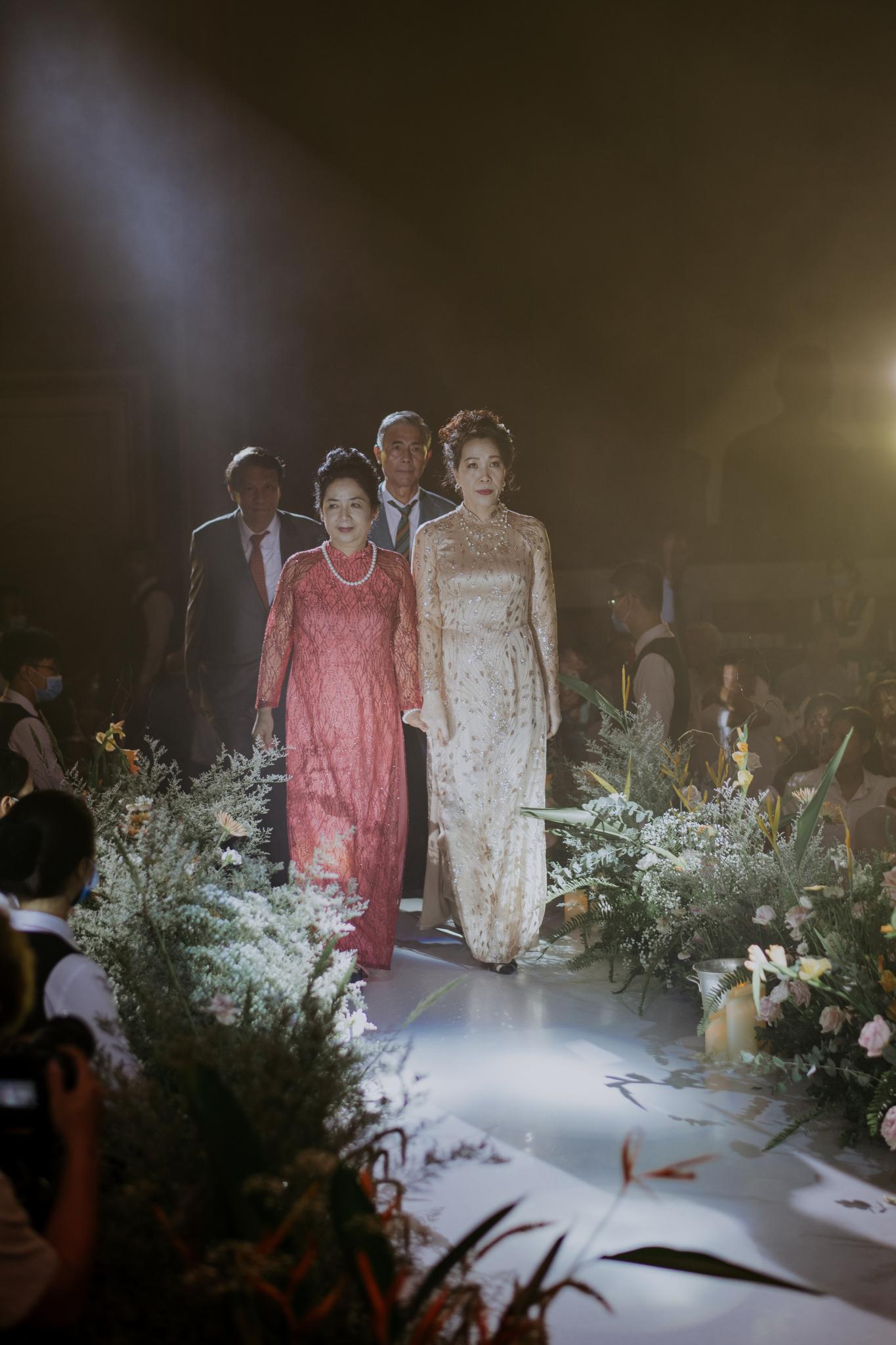 https://huk.s3.amazonaws.com/uploads/image/source/1438/Phuong-Diep-HN-Ceremony-2-0116.JPG