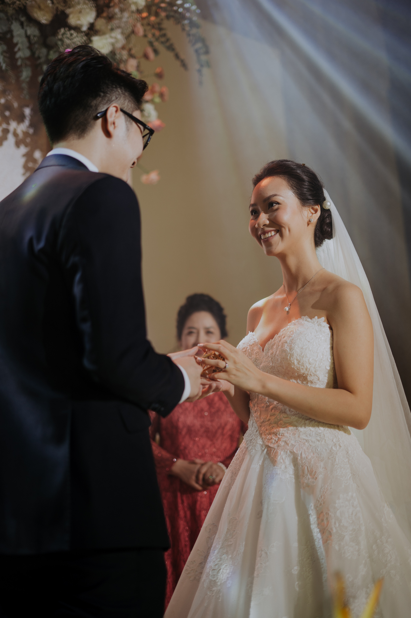 https://huk.s3.amazonaws.com/uploads/image/source/1446/Phuong-Diep-HN-Ceremony-2-0180.JPG