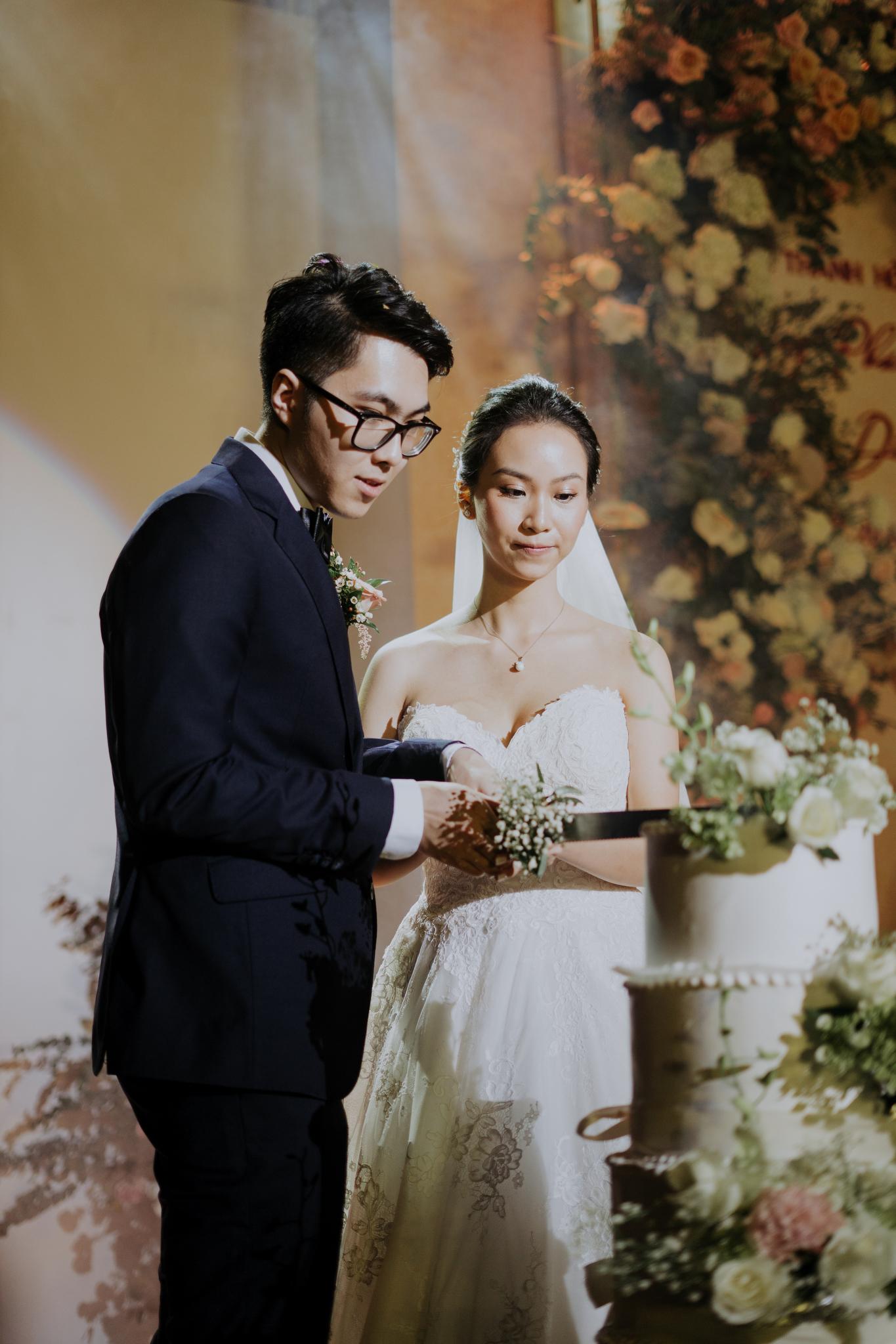 https://huk.s3.amazonaws.com/uploads/image/source/1449/Phuong-Diep-HN-Ceremony-2-0192.JPG