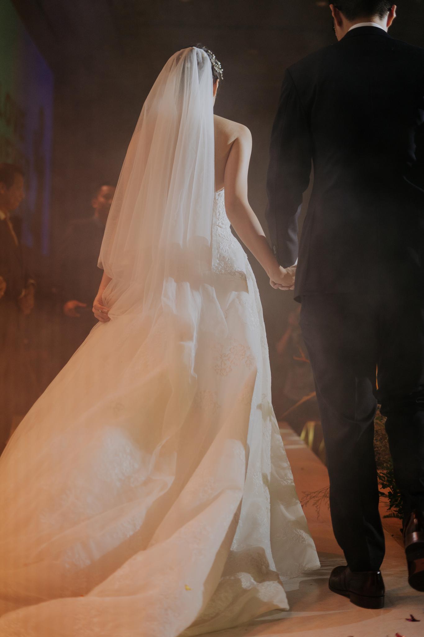 https://huk.s3.amazonaws.com/uploads/image/source/1451/Phuong-Diep-HN-Ceremony-2-0211.JPG