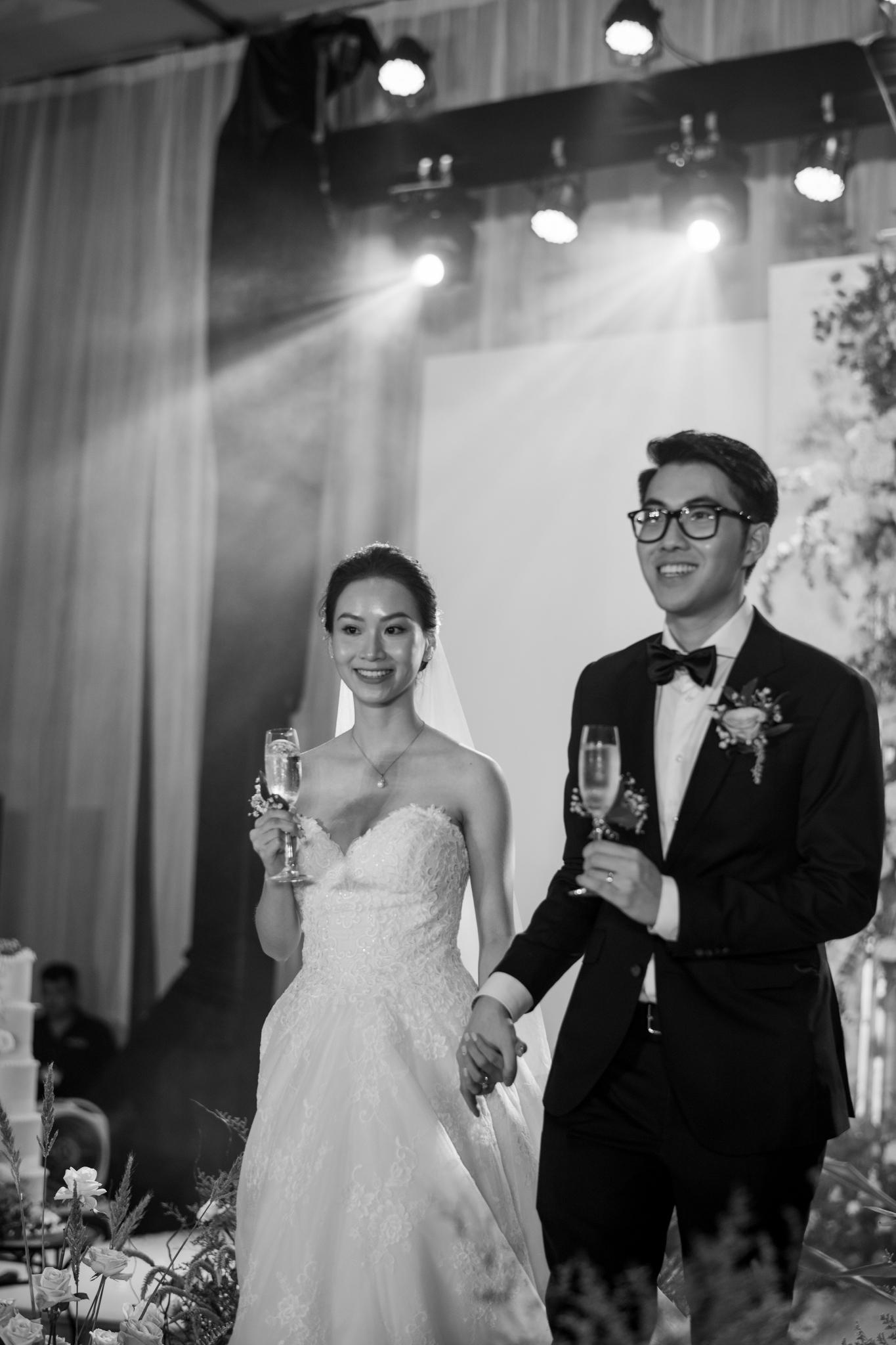 https://huk.s3.amazonaws.com/uploads/image/source/1453/Phuong-Diep-HN-Ceremony-2-0248.JPG