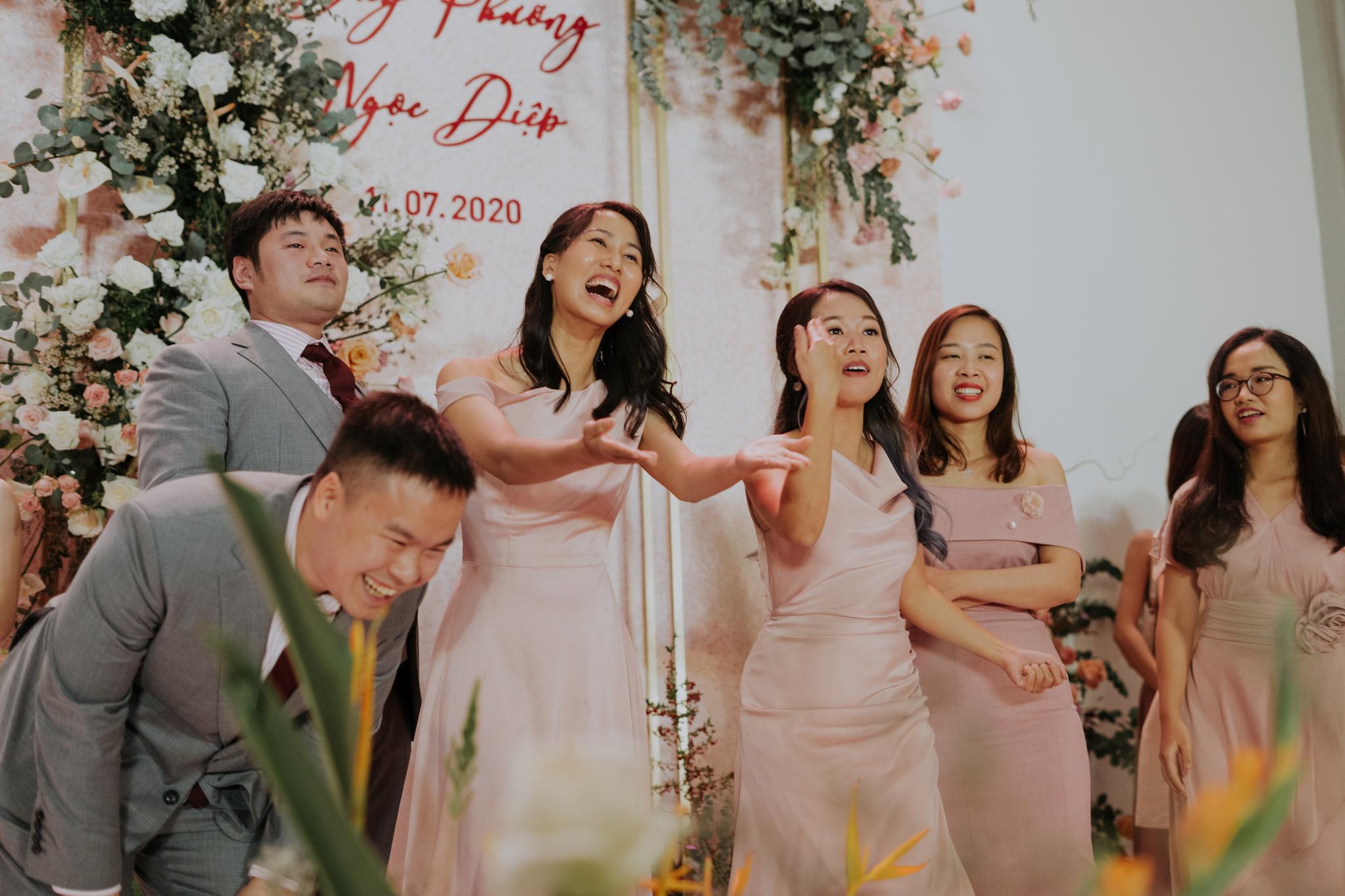 https://huk.s3.amazonaws.com/uploads/image/source/1459/Phuong-Diep-HN-Ceremony-2-0409.JPG