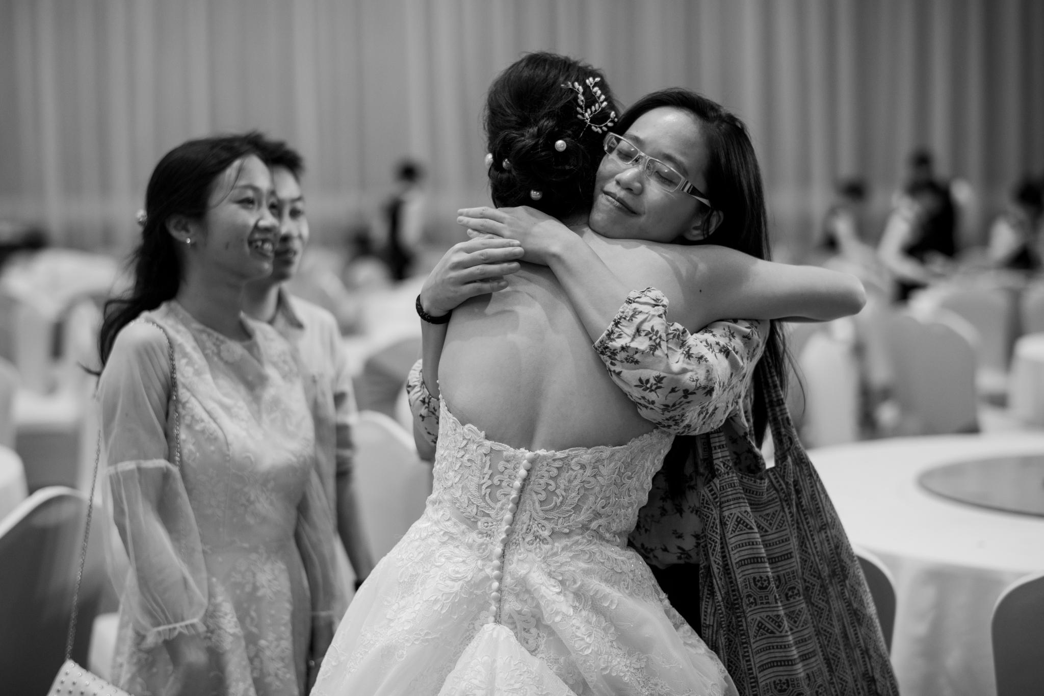 https://huk.s3.amazonaws.com/uploads/image/source/1460/Phuong-Diep-HN-Ceremony-2-0443.JPG